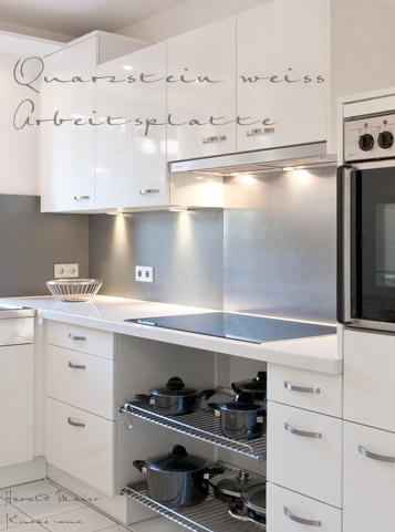 kuechenfronten weiss arbeitsplatte weiss und spritzschutz in alu. Black Bedroom Furniture Sets. Home Design Ideas